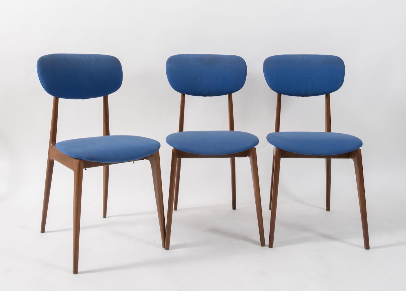Sei sedie in legno con seduta in stoffa. Prod. Italia ...