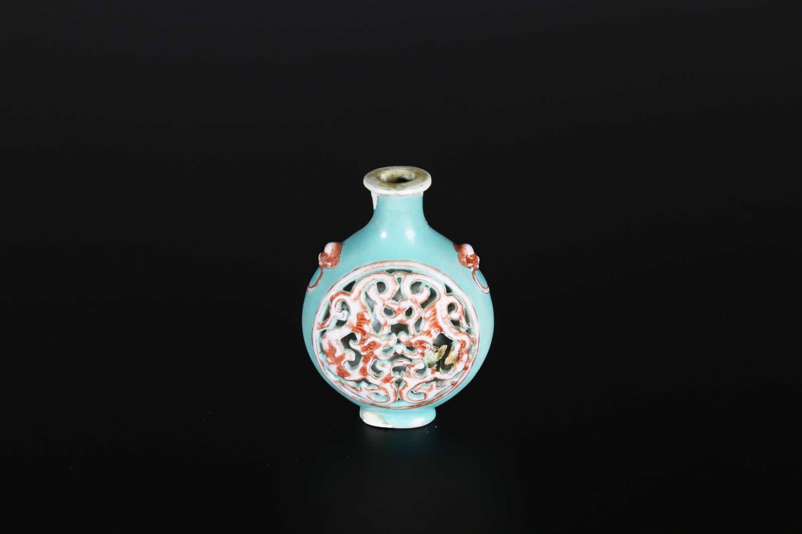 Arte Cinese Snuff Bottle in porcellana con decoro a traforo Cina, XVIII...