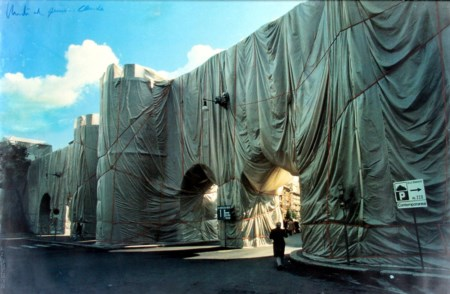 Christo 1935, Gabrovo (Bulgaria) - [USA] The wall - Porta Pinciana offset...