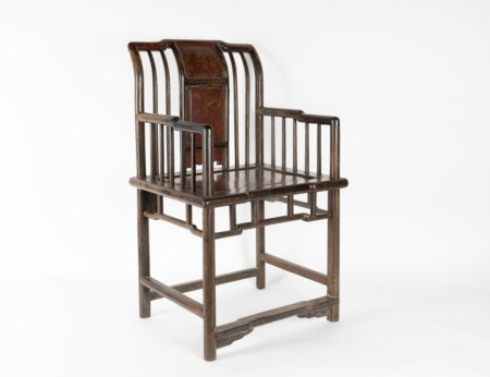 Arte Cinese  A jichimu, huanghuali and rootwood wooden armchair China, Qing dynasty, 18th century .