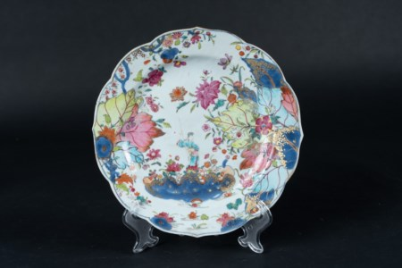 Arte Cinese  A tobacco leaf porcelain dish China, Qing dynasty, early 18th century .