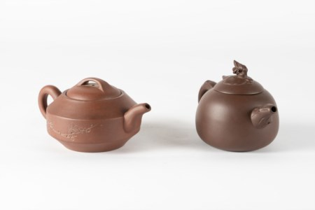 Arte Cinese  Two earthenware Yixing teapots China, Qing dynasty, 19th century .