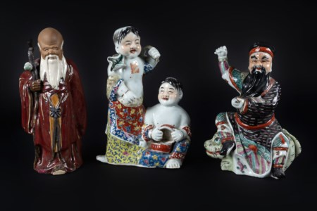 Arte Cinese  A collection of three porcelain figures China, 20th century .