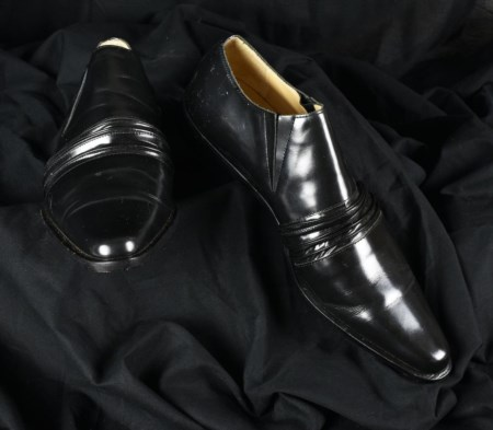 JUNYA WATANABE FOR COMME DES GARCONS Paio di scarpe in pelle nero lucida...