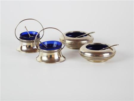 Spargisale e pepiera in argento con inserto blu igienico H 9 cm placcato argento placcato argento